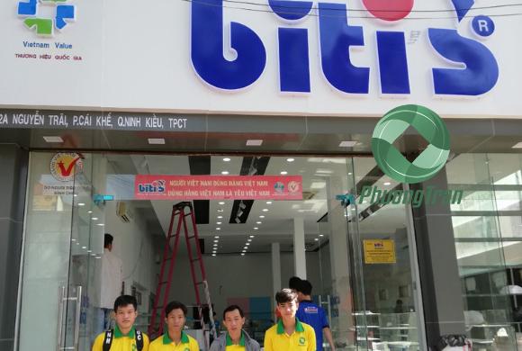 Vệ sinh sau xây dựng tại cửa hàng Bitis Cần Thơ